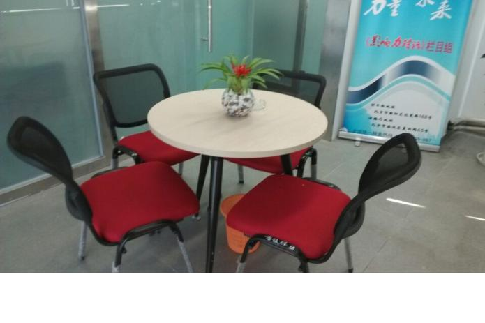 科技小制作叠桌椅